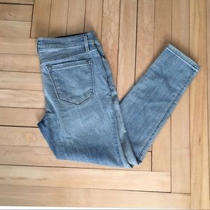 LOFT relaxed skinny light wash jeans 28/6